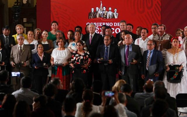 Nueva Reforma Educativa se promulgará hoy: AMLO - El presidente Andrés Manuel López Obrador en el Día del Maestro, encabezó la ceremonia de entrega de reconocimientos a la labor de los profesores en Palacio Nacional. Foto de Notimex/Jessica Espinosa.