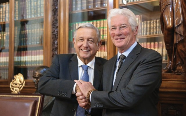 López Obrador recibe en Palacio Nacional a Richard Gere - amlo y richard gere