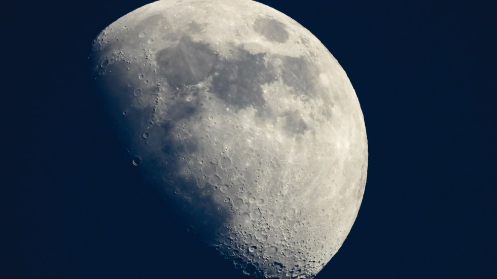 La Luna se encoge debido a temblores - luna