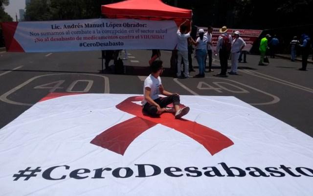 Pacientes con VIH cierran Reforma - pacientes vih sida reforma