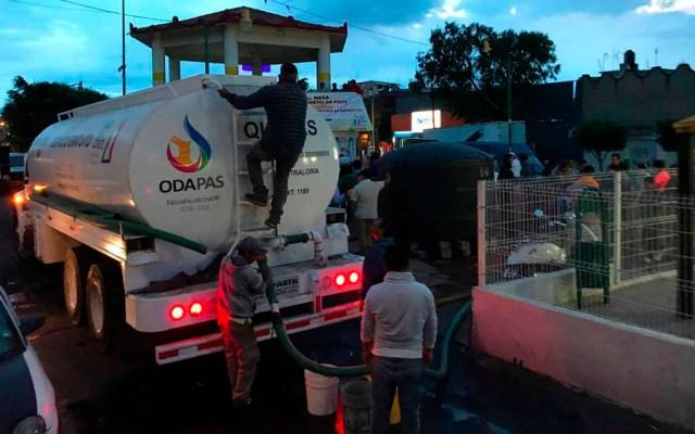 Recortan suministro de agua en Nezahualcóyotl - pipas agua neza
