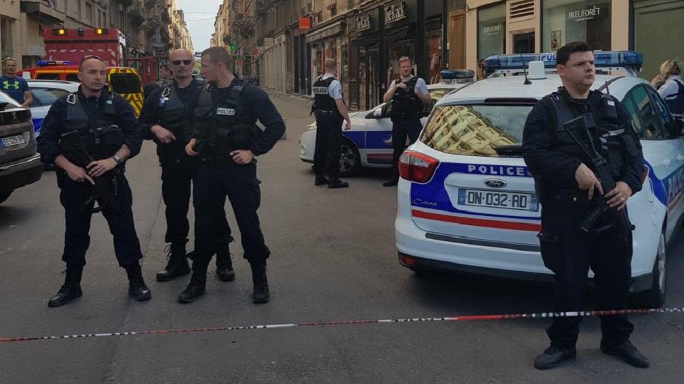 Policía francesa busca al autor de explosión en Lyon