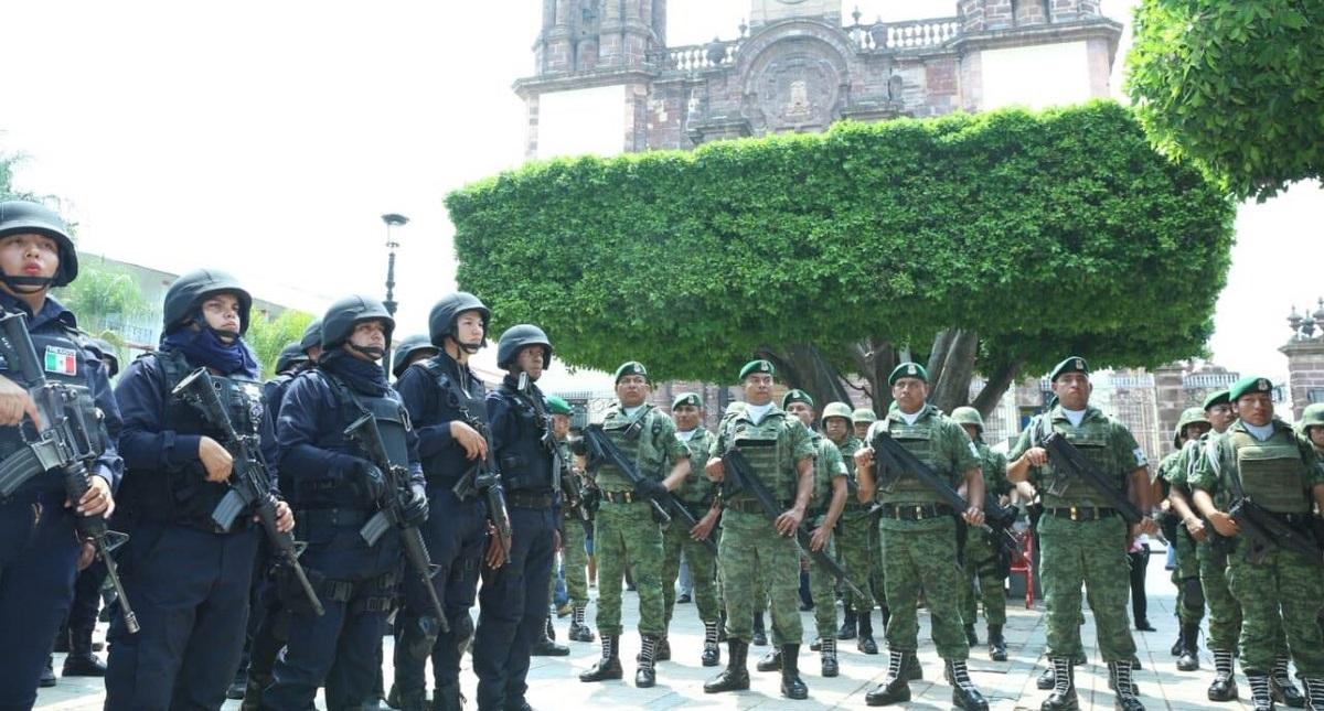 Policías que respaldarán a los agentes de Zamora. Foto de @Silvano_A