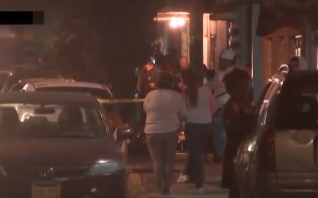 Asesinan a dos hombres y una mujer en la San Felipe de Jesús - Sitio donde se registró el asesinato de tres personas en la GAM. Captura de pantalla / Noticieros Televisa