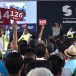 Cada 15 días habrá subasta: López Obrador - Subasta SAE de autos en Los Pinos. Foto de Notimex