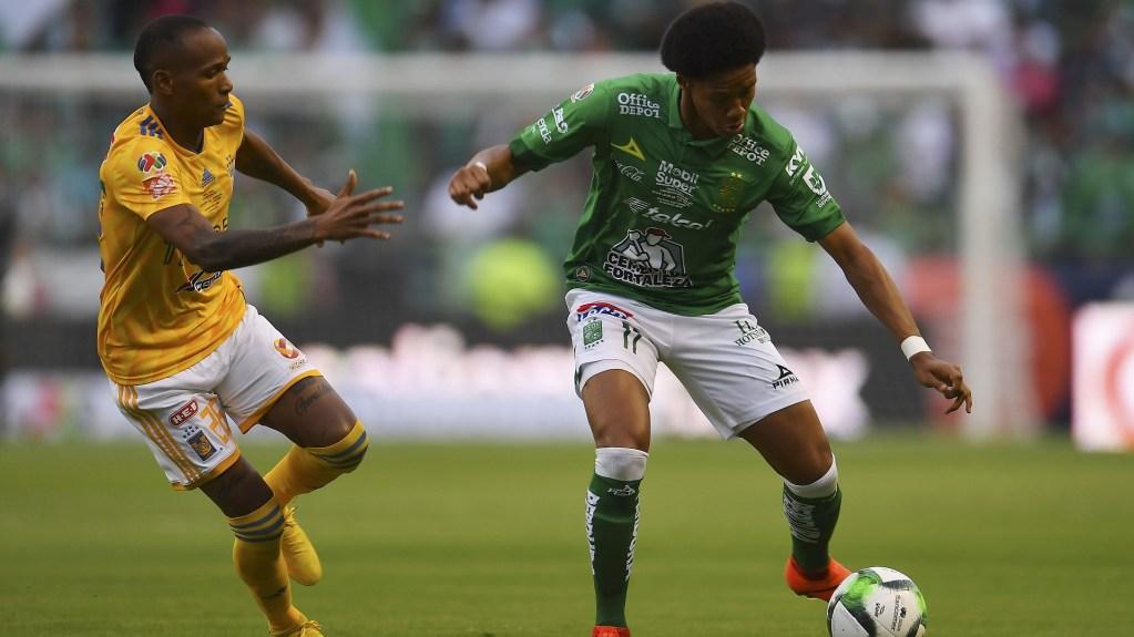 Inicia pareja la Final Tigres vs. León. Noticias en tiempo real