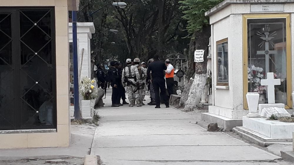 Descubren toma clandestina en panteón San Isidro de Azcapotzalco - Foto de @oscard8_grc