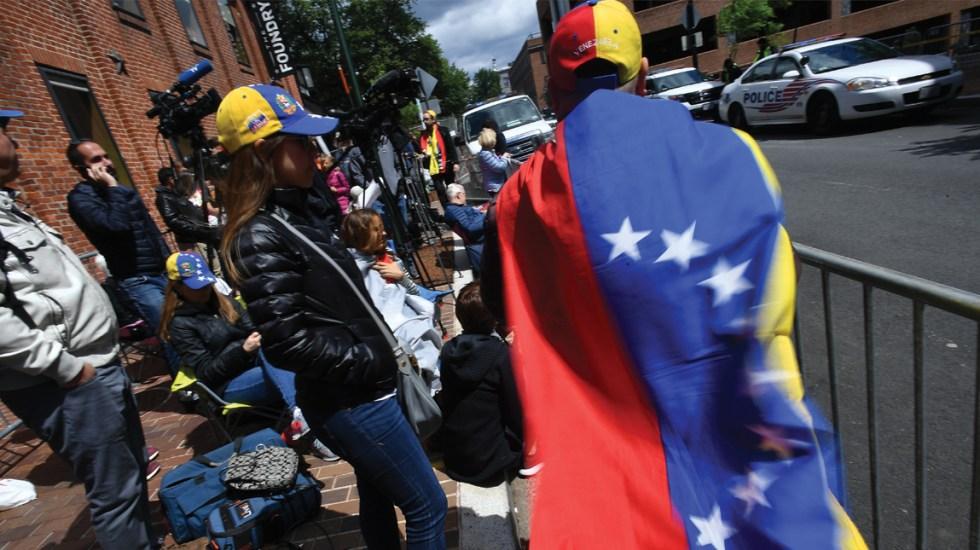Avanza legislación para protección de venezolanos en EE.UU. - Foto de AFP