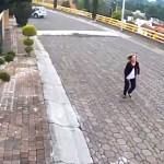 #Video Anciana corre detrás de ladrón pidiendo auxilio en Álvaro Obregón