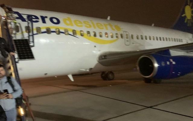 Emergencia en avión deja en tierra a centenar de aficionados chilenos - Foto de @jaime_sepulveda
