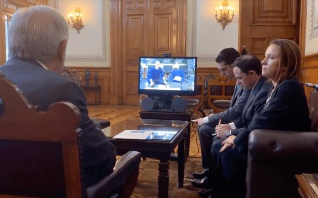 AMLO conversa con Mark Zuckerberg por videollamada; le propone alianza para conectar a México - Videoconferencia de López Obrador con Mark Zuckerberg. Captura de pantalla