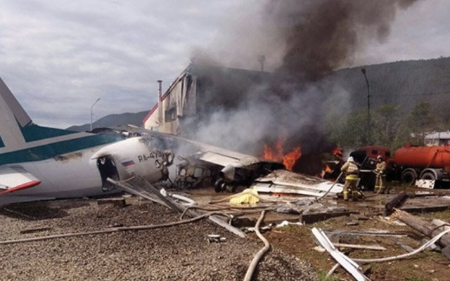 #Video Aterrizaje de emergencia deja dos muertos y 22 heridos en Rusia - Foto de The Siberian Times