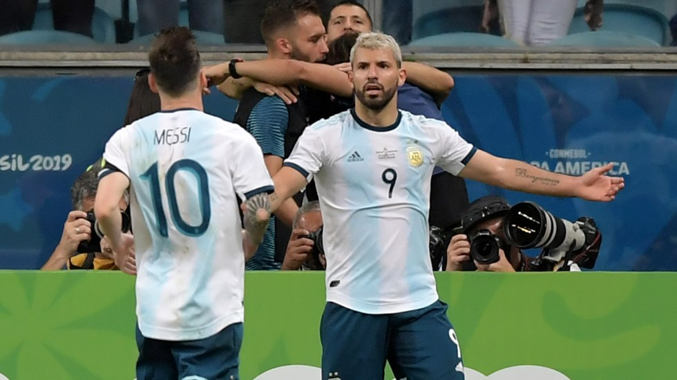 Argentina logra un triunfo balsámico contra Qatar para pasar a cuartos - Foto de Carl DE SOUZA / AFP.