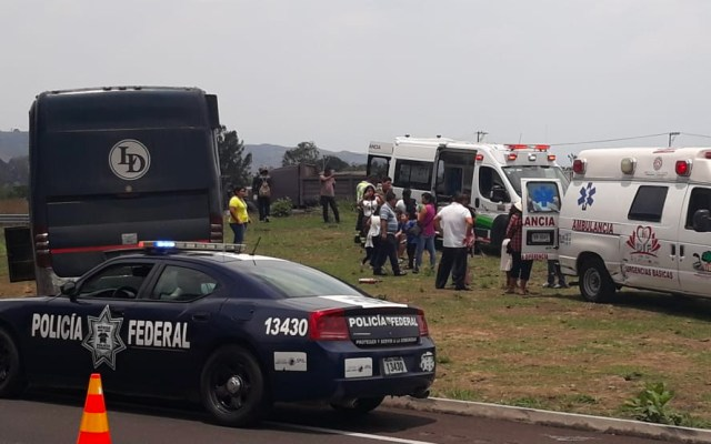 Se queda sin frenos autobús con 40 pasajeros en la México-Cuautla - autobús