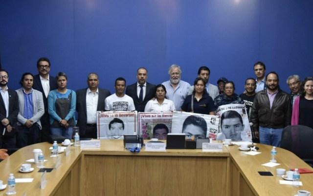 Omar Gómez se reúne con Comisión para la Verdad del caso Ayotzinapa - Foto de @A_Encinas_R