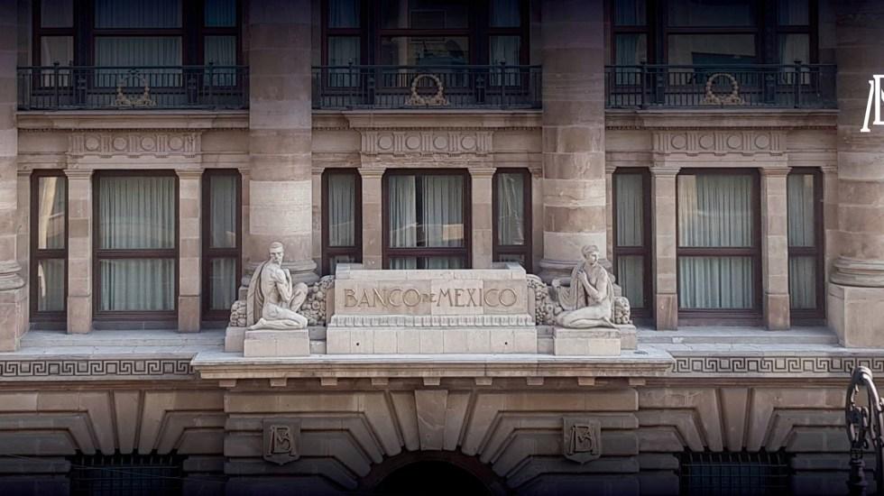 Banxico ve riesgo en revisiones a la baja de México y Pemex - reservas