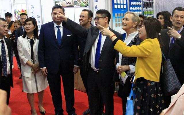 Comerciantes chinos critican a Trump por aranceles a México - Expositores de la China HomeLife México. Foto de @ChinaHomelifeMx