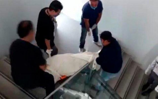 Colapsa servicio del ISSSTE en Querétaro; bajan en peso los cadáveres, no sirven elevadores