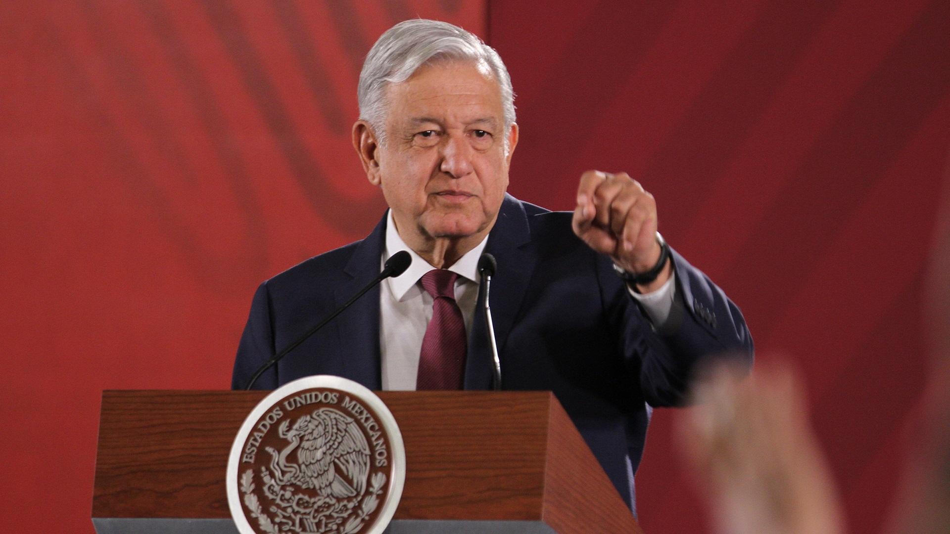 López Obrador critica profesionalismo y objetividad de las calificadoras