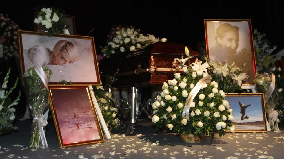 Rinden homenaje a Edith González en el Teatro Jorge Negrete - El homenaje a Edith González fue de cuerpo presente en el Teatro Jorge Negrete. Foto de Notimex