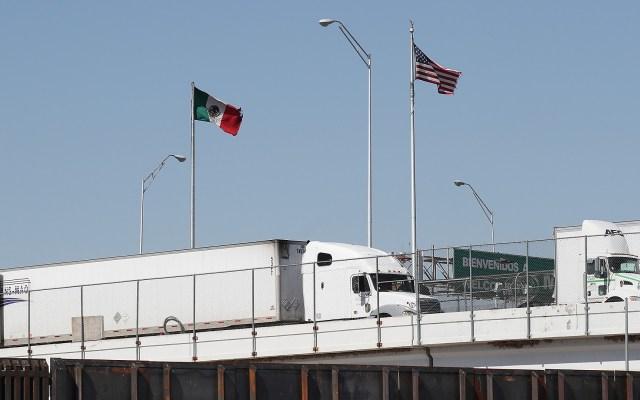 Estamos ante la crisis más seria entre México y EE.UU desde Caso Camarena: Sarukhán - Cruce de productos mexicanos a EE.UU. Foto de AFP / Joe Raedle / Getty Images