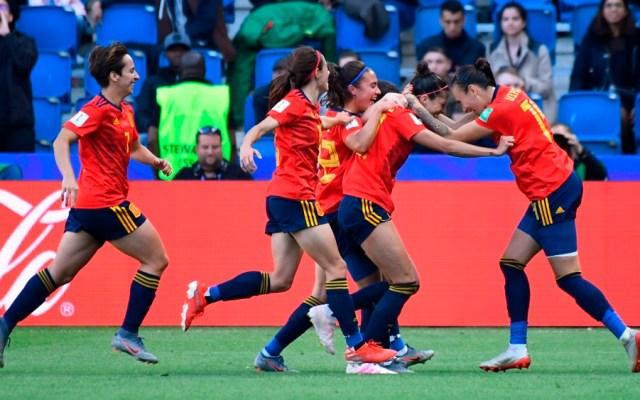 España logra su primer triunfo en un Mundial femenil - España mundial femenil