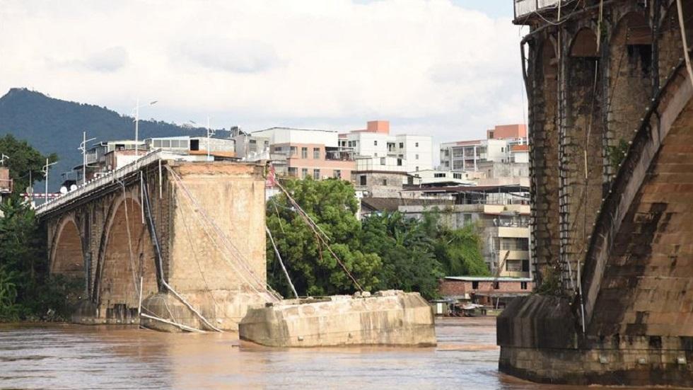 Estructura de puente colapsado. Foto de Xinhua Net