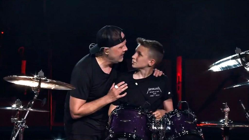 #Video Metallica deja a niño tocar con ellos por su cumpleaños - Evan tocando en concierto de Metallica. Foto de Rock and Pop