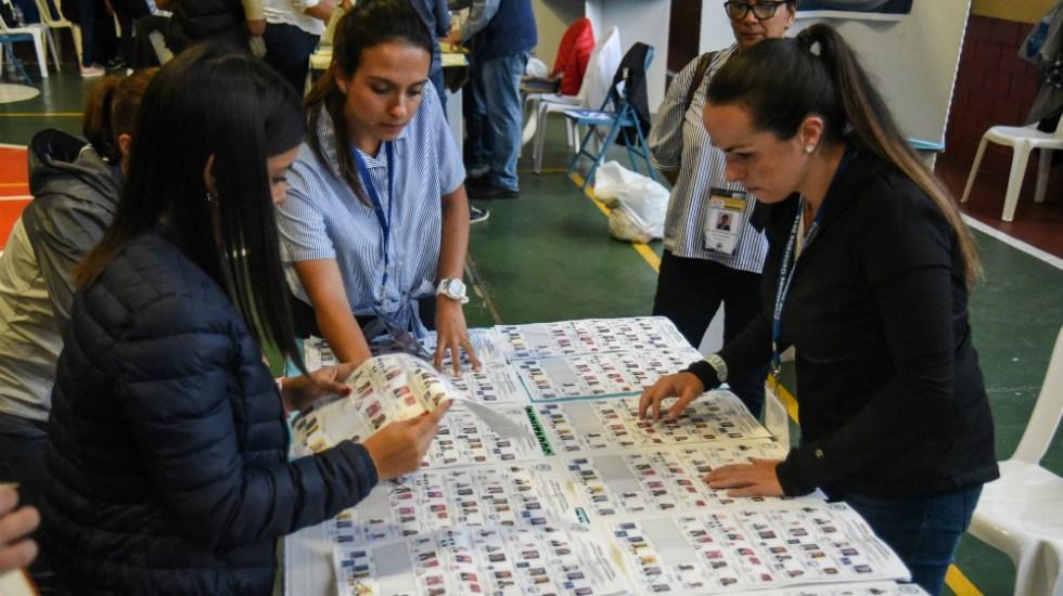 Ente electoral de Guatemala suspende revisión de actas de comicios generales - Foto de AFP