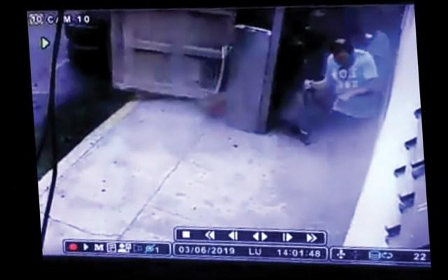 #Video Hombre se salva de ser aplastado por camión en Churubusco - Captura de pantalla