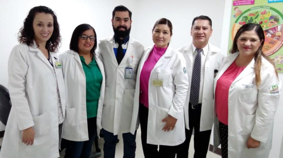 Médicos del IMSS extraen y reimplantan útero y feto para retirar tumor - Foto de IMSS