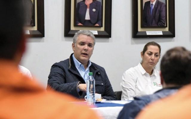 Duque firma la ley que sustenta la justicia de paz en Colombia - Foto de Twitter Iván Duque
