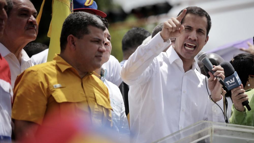 Guaidó denuncia arresto de siete militares y policías venezolanos. Noticias en tiempo real