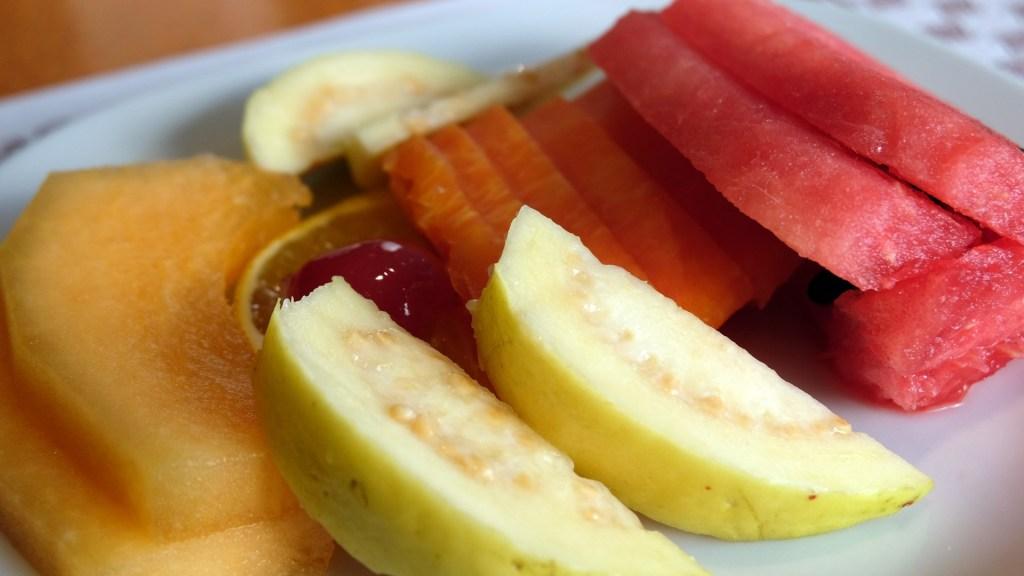 Intolerancia al gluten se controla con dieta estricta: IMSS - Las personas con intolerancia al gluten deben comer alimentos naturales y frescos. Foto de IMSS