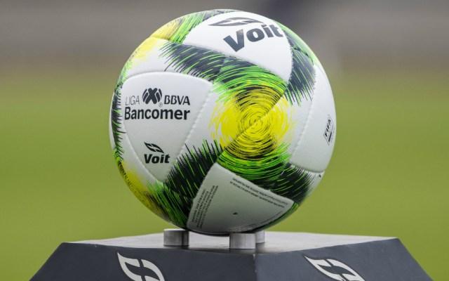 Cambios a reglas arbitrales llegarán al Torneo Apertura 2019 de la Liga MX - Liga MX balón Reglas arbitrales