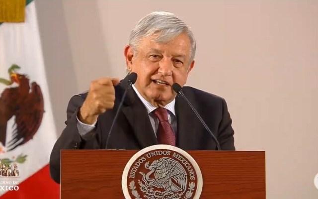 Lo puedo gritar, va a haber justicia: AMLO a familiares de desaparecidos - López Obrador con familiares de desaparecidos. Captura de pantalla