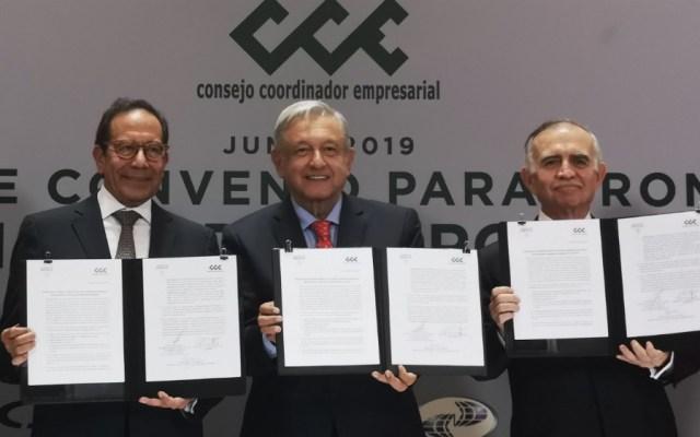 López Obrador agradece apoyo de empresarios durante crisis con EE.UU. - Foto de @cceoficialmx