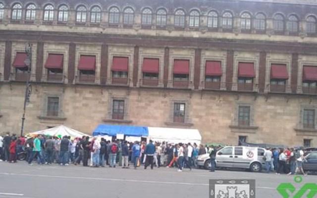 Movilizaciones complican tránsito en CDMX junto con eventos deportivos - Manifestación en Plaza de la República. Foto de @OVIALCDMX