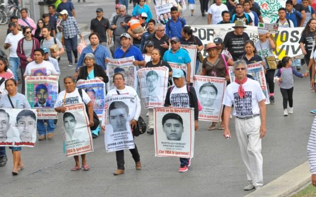 Subirá un familiar de los 43 normalistas desaparecidos de Ayotzinapa a tribuna en San Lázaro - Ayotzinapa San Lázaro
