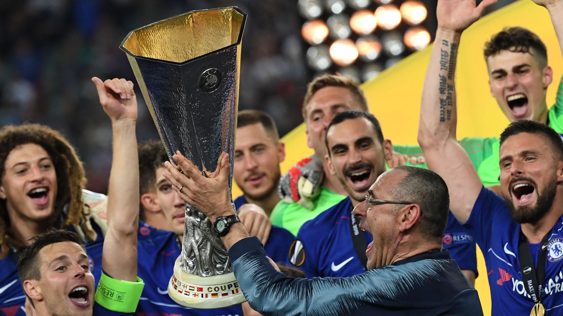 Festejo de Sarri con el Chelsea por su triunfo en la Europa League. Foto de AFP / Kirill Kudryavtsev
