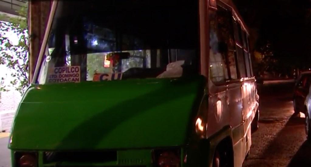 "Microbús mata a motociclista por jugar ""arrancones"" en Coyoacán - microbús"