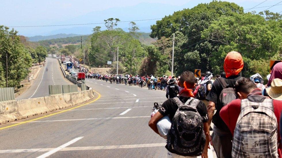 Hacienda bloquea cuentas de traficantes ligados a caravanas migrantes - caravana migrante