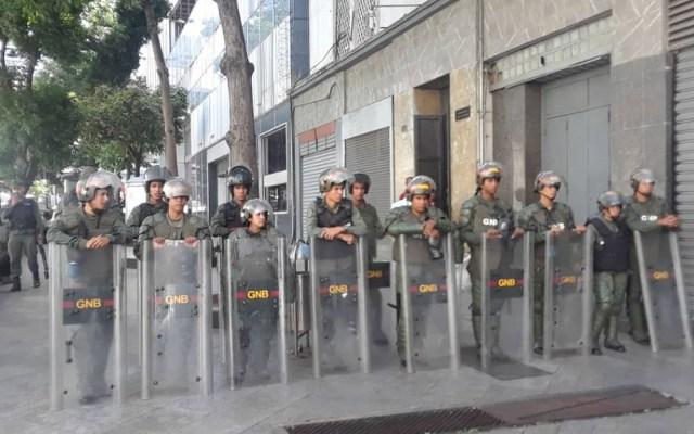 Guaidó denuncia militarización del Parlamento de Venezuela - Militarización del Parlamento de Venezuela. Foto de @sntpvenezuela