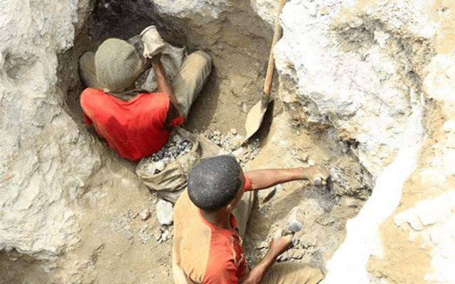 Mueren al menos 36 mineros en derrumbe en el Congo - Mineros congo