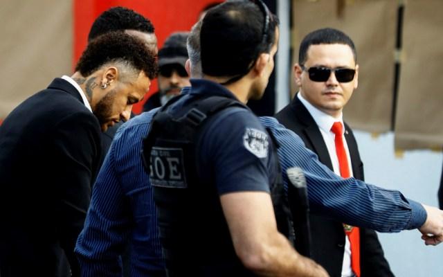 Neymar llega a la comisaría para declarar por acusación de violación - Neymar comisaría