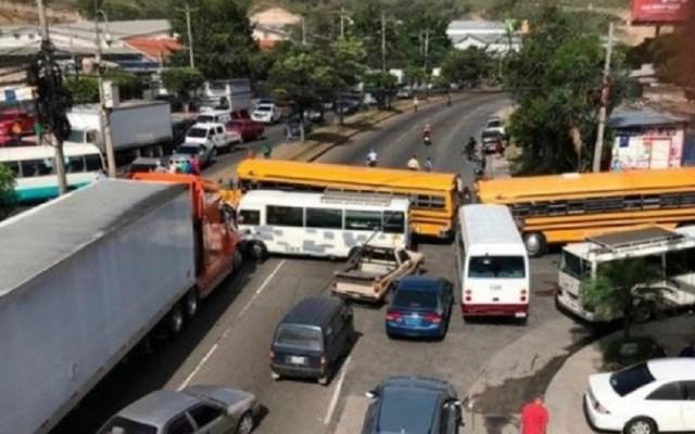 Transportistas levantan paro tras acuerdo con el Gobierno de Honduras - Paro de transportistas en Honduras. Foto de Criterio