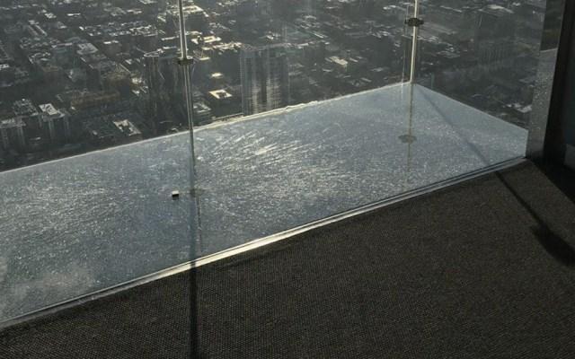 #Video Se agrieta piso del mirador Skydeck en Chicago - Foto de Jesus Pintado