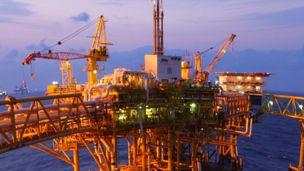 Hacienda inyecta 5 mil millones de dólares a Pemex - Plataforma petrolera. Foto de Pemex