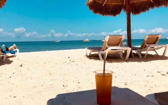 Mexicanos gastarán hasta 20 mil pesos en vacaciones de verano - Playa de Cozumel. Foto de The Travel Nook / Unsplash