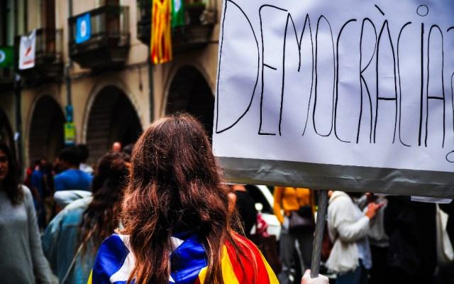 """Secesionistas catalanes dieron un """"golpe de Estado"""": Fiscalía española - Foto de Marc Sendra Martorell para Unsplash"""